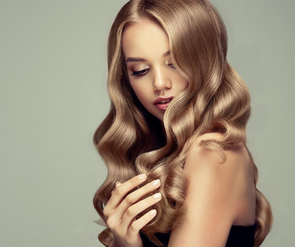 vrouw blond lang haar haarwerken pruiken rotterdam